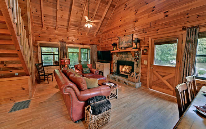 Trout Run Cabin Blue Ridge GA-small-002-Living Room-666x417-72dpi