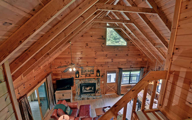 Trout Run Cabin Blue Ridge GA-small-004-Living Room-666x417-72dpi