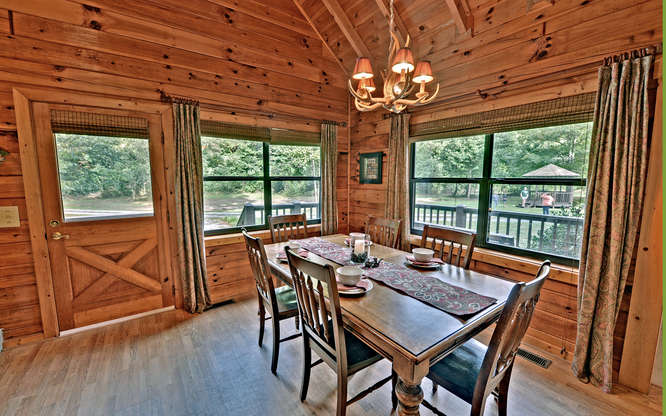 Trout Run Cabin Blue Ridge GA-small-006-Dining Room-666x417-72dpi