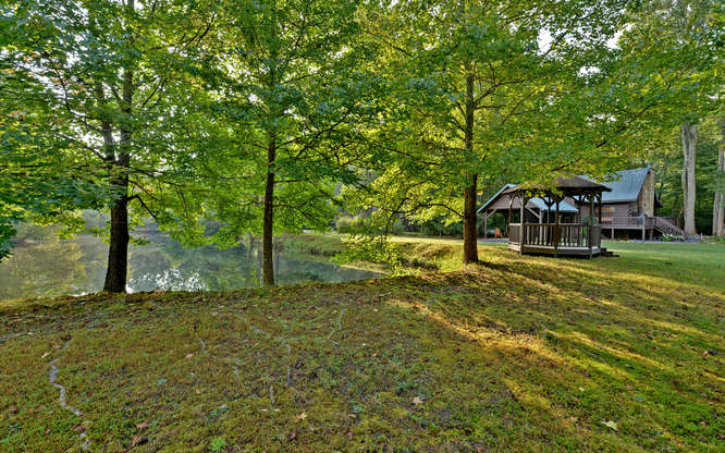 Trout Run Cabin Blue Ridge GA-small-028-Exterior-666x417-72dpi